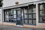 - A VENDRE - Local commercial - Bureaux, garages et archives - ONET LE CHATEAU 4/8