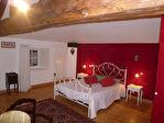 Située au coeur d'un village avec tous commerces, à 10mn de Cognac, jolie maison charentaise en parfait état 7/13