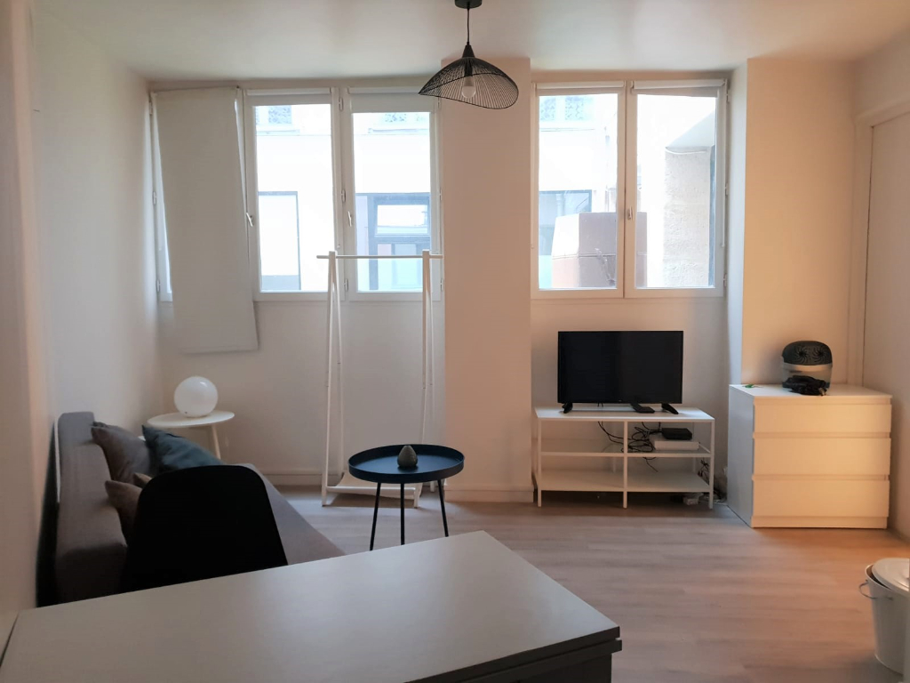 Studio 19m² paris 9ème