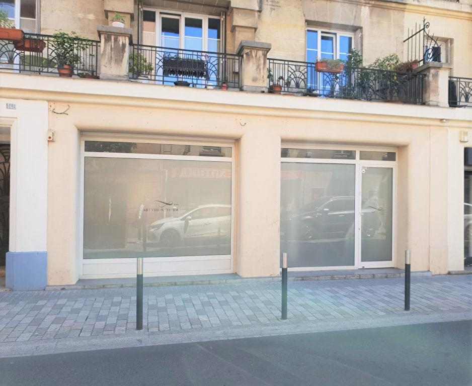 Local commercial 100m² 92600 Asnieres Sur Seine