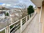 ROYAT / Terrasse avec vue panoramique 2/9