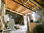PROCHE BILLOM / Ensemble de granges et petite maison 4/10