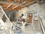 PROCHE BILLOM / Ensemble de granges et petite maison 5/10
