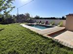 Villa sur les hauteurs de Carpentras avec piscine, sur 1113 m2 environ de terrain clos 5/11