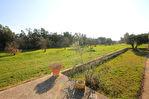 Mas en Vaucluse commune de Pernes Les Fontaines sur 18 000 m2 env. de terrain avec piscine 5/15